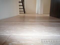 アンティークなホワイトの床材