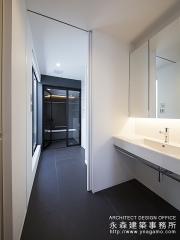 モノトーンの洗面室