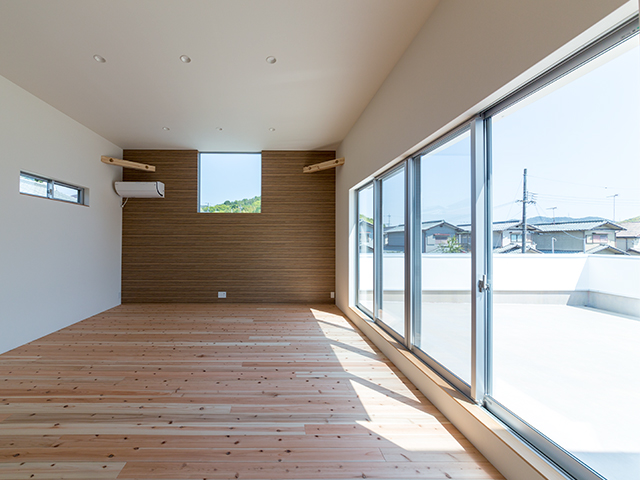 風と光を十分に取り入れた大空間の2階リビング1