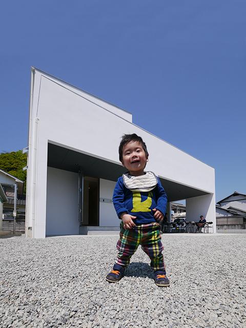 「白を基調としたシンプルモダンな家」オープンハウス5