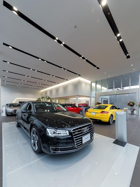 『Audi宝塚』の展示スペース