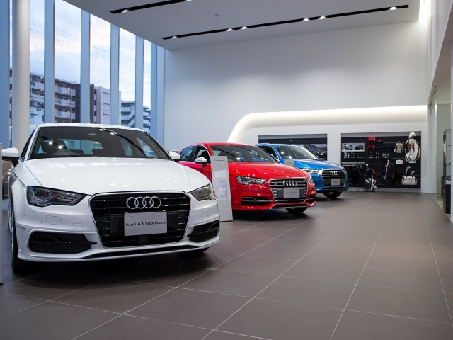 『Audi宝塚』の展示スペース2