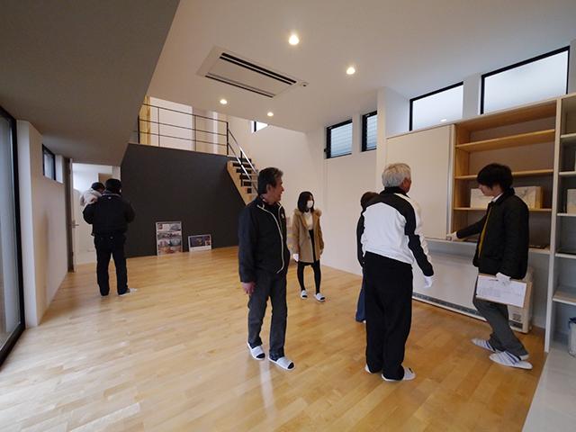「親世帯の北側の狭小空地を利用した子世帯住宅」オープンハウス4