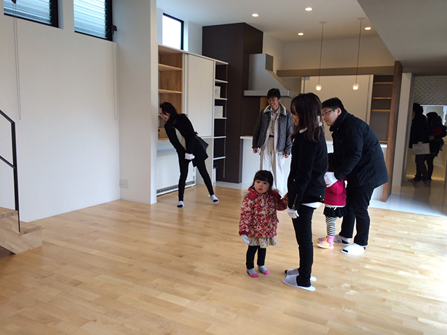 「親世帯の北側の狭小空地を利用した子世帯住宅」オープンハウス5