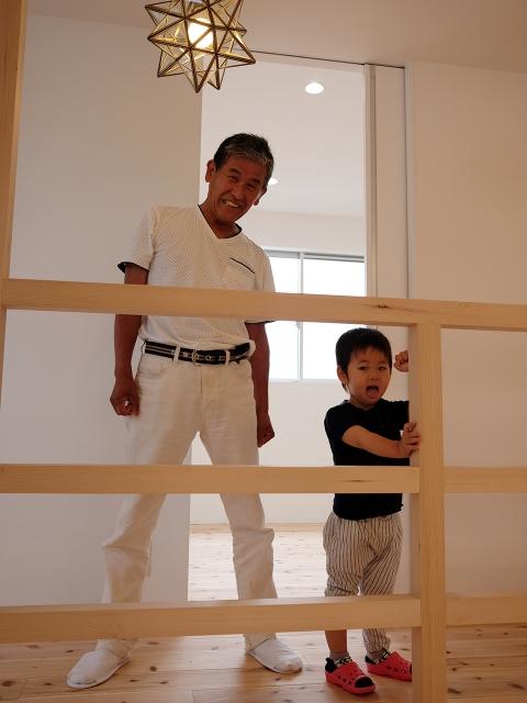 「焼板を活かしたモダンな家」オープンハウス5