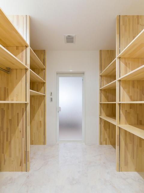 脱衣室がクローゼットのような、クローゼットが脱衣室のような空間!