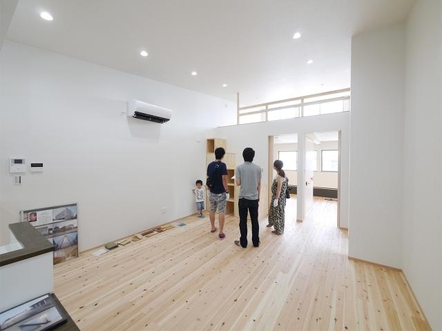 「24坪の狭小敷地に建つ家」オープンハウス3
