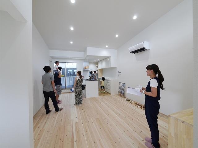 「24坪の狭小敷地に建つ家」オープンハウス4