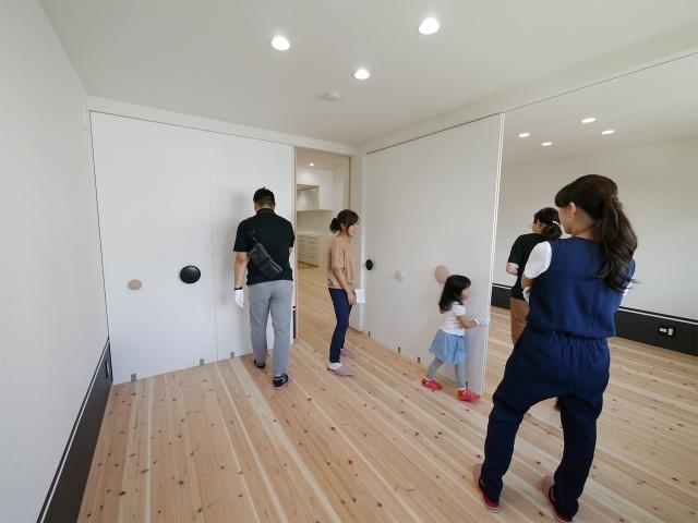 「24坪の狭小敷地に建つ家」オープンハウス5
