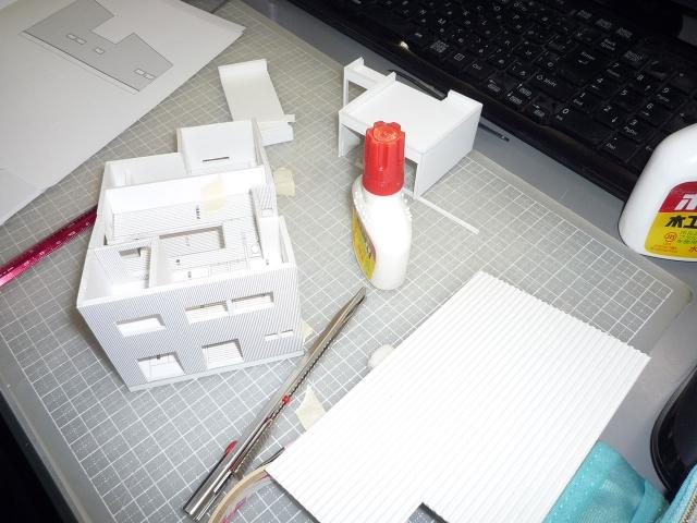 オープンデスク建築模型作製中3