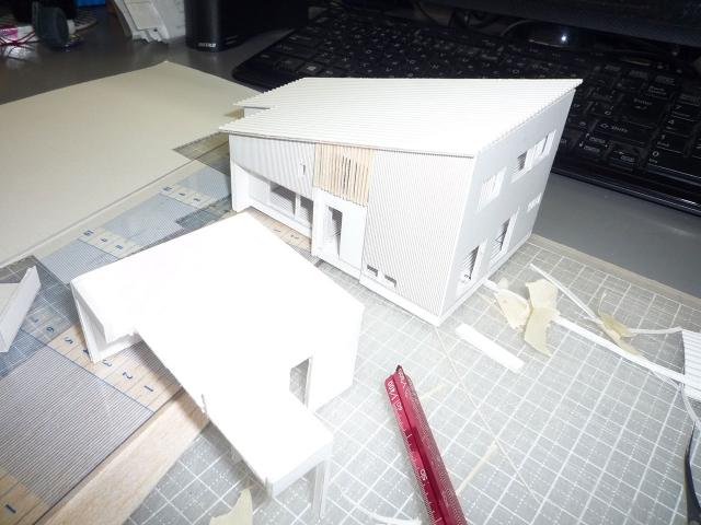 オープンデスク建築模型作製中4