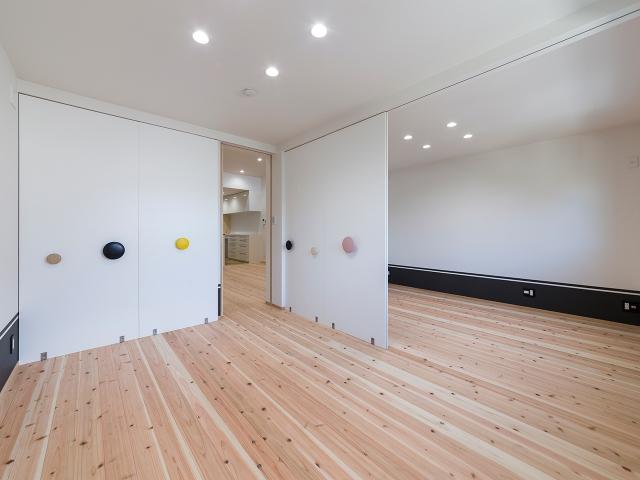 成長に合わせて間仕切り壁設置を考慮した子供部屋!