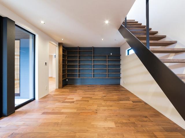 階段室は多目的に利用できる空間!