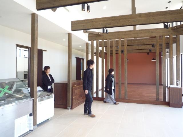 マンゴー販売施設完了前の見学会!2