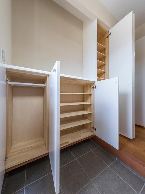 造り付け家具の玄関収納!3