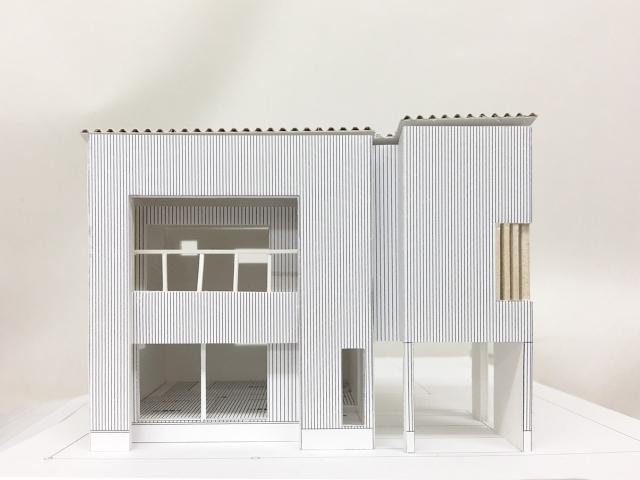 西の公園を眺める家 建築模型