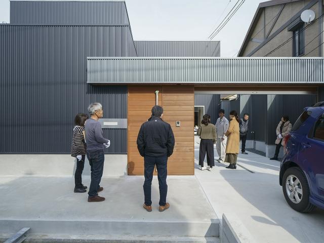 「アプローチゲートのあるL型プランの家」オープンハウス2
