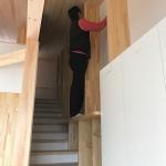 階段を利用した壁面本棚!