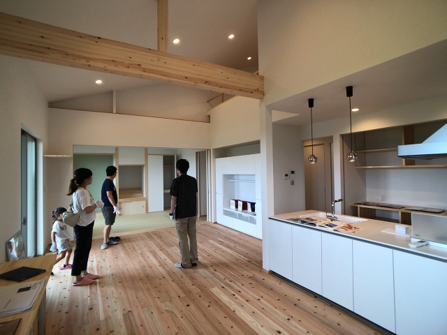 「高台に2建つ家」オープンハウス