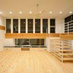 リビング階段を楽しむ家3